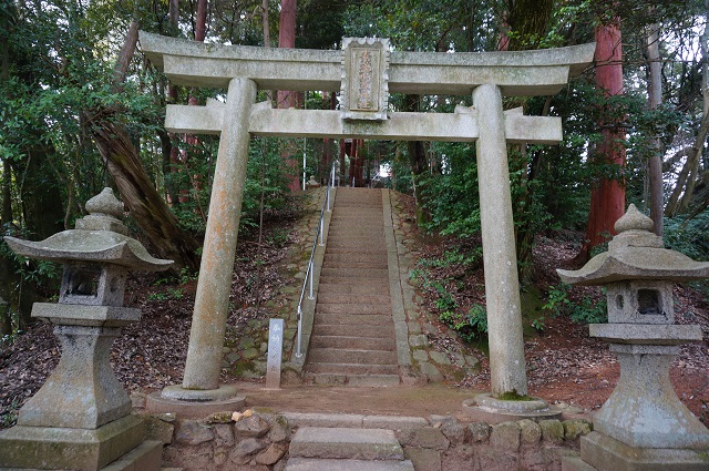 3見山の郷神社鳥居DSC05167