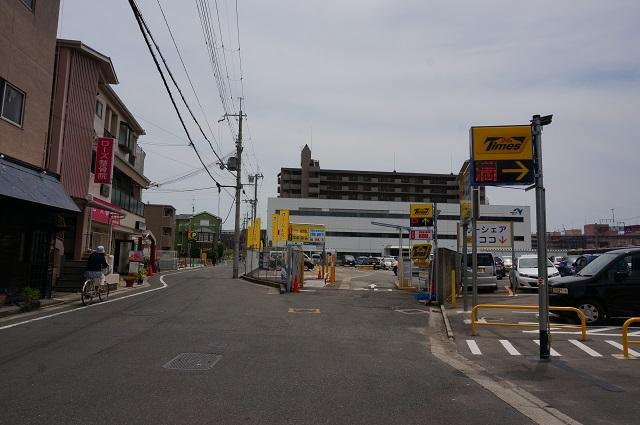 0521三井リパーク向かいのタイムズ全景DSC06151