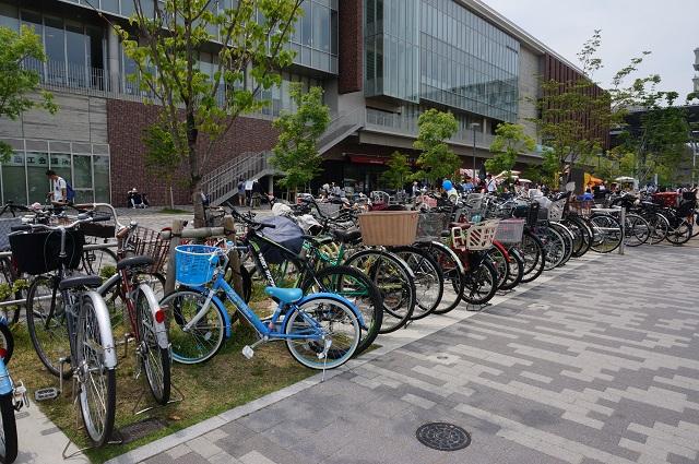 0521立命館自転車はいっぱいDSC06092