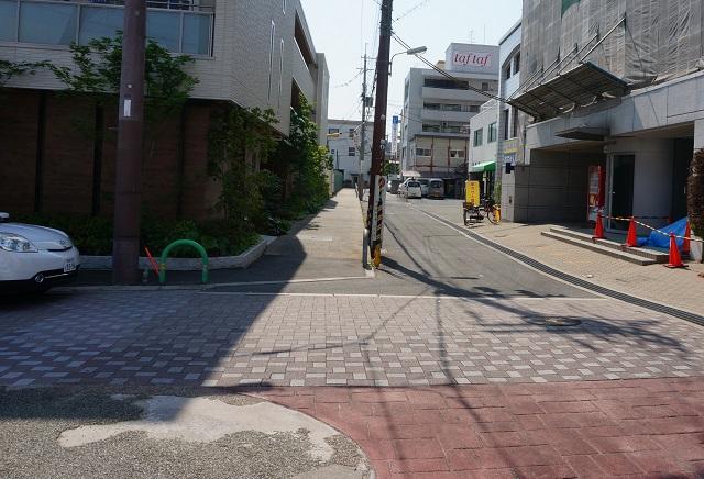 茨木別院駐輪場の北側を西へDSC06445