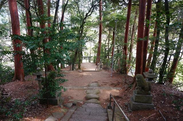 12見山の郷の神社上から見下ろすDSC05186