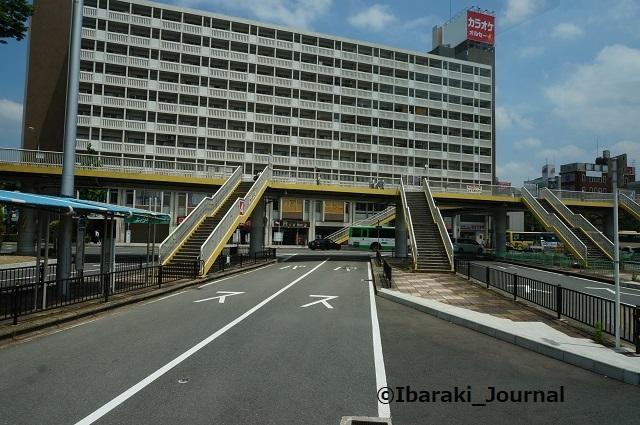 再kkJR茨木の閉鎖してるバス乗り場DSC06161