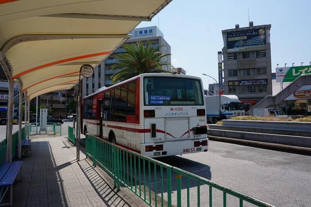 京阪枚方行きバス停車DSC06296