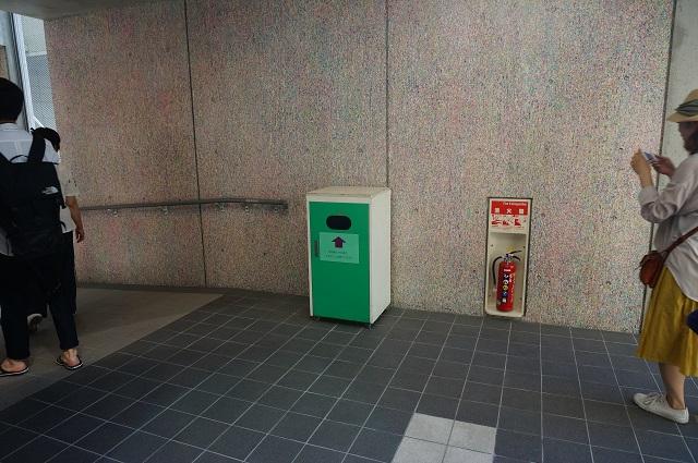 12市役所渡り廊下を本館から入るDSC06982