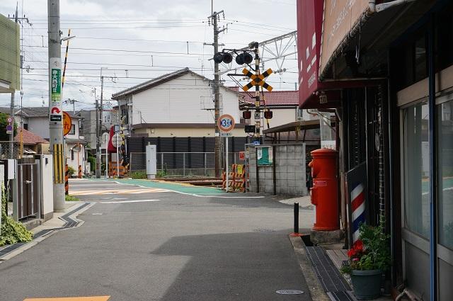 三島丘理容店前丸いポストDSC07581