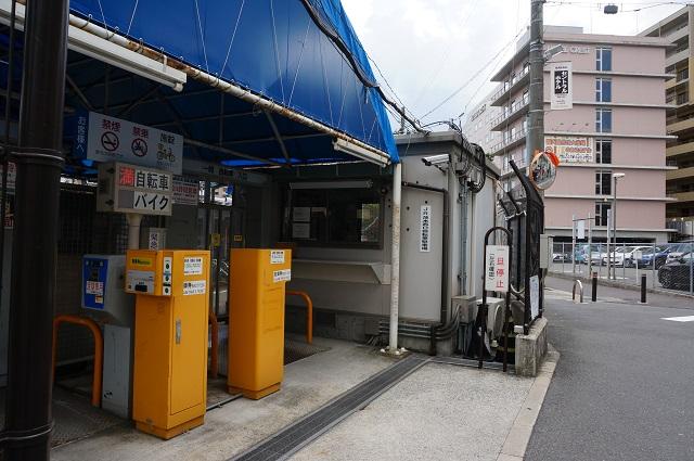JR茨木西口駐輪場入口DSC08289