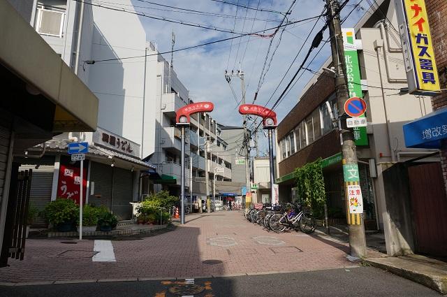 阪急総持寺本通商店街のほうDSC08435
