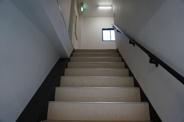 階段いろどり中華たけ建物DSC08331