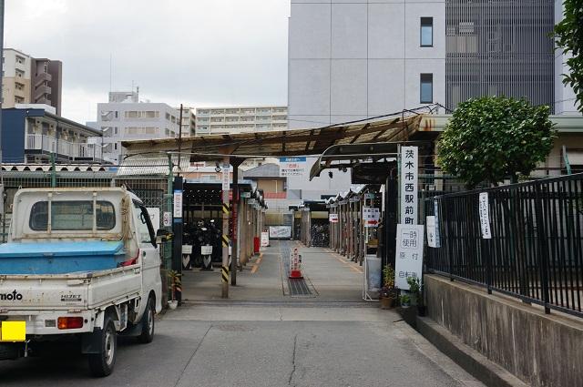 茨木市西駅前町駐輪場エキスポロード沿い入口DSC08303