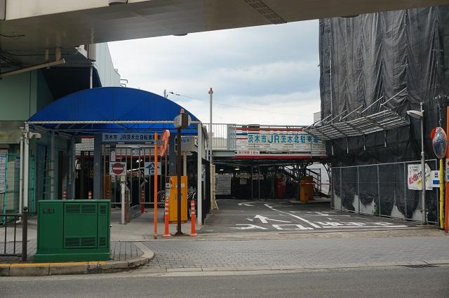 JR茨木北駐輪場入口DSC08256