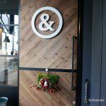 Jun&Pepper'sカフェの扉