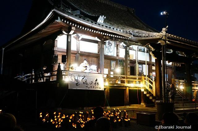 総持寺竹灯籠のステージ