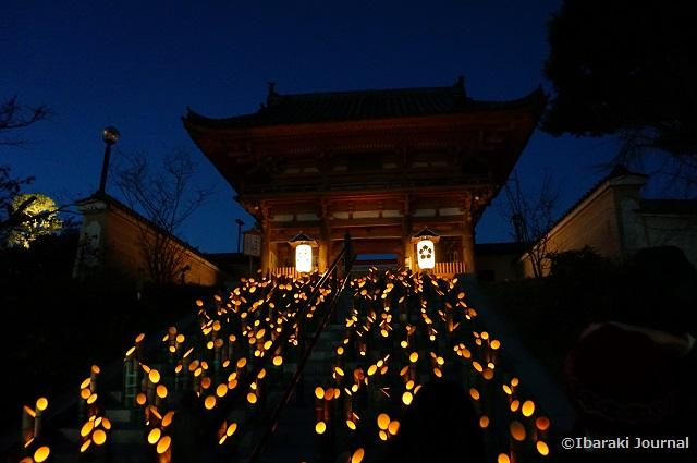 総持寺竹灯籠階段のところ