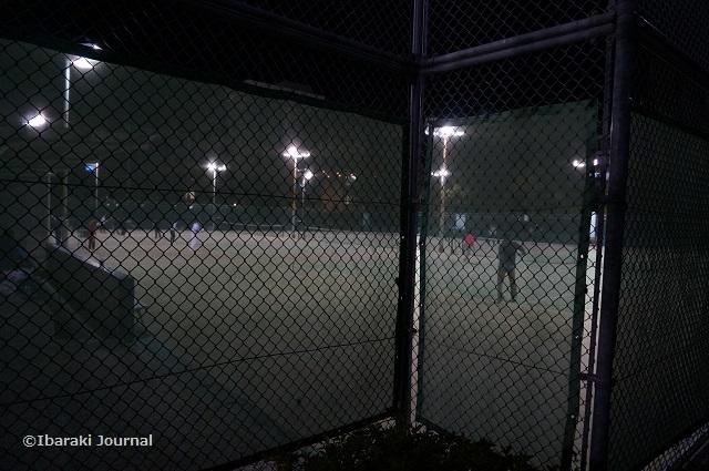 2017光の回廊そばでテニスDSC00114