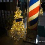 安威団地そば商店街散髪屋さんのツリーDSC00499