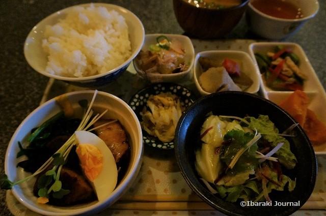 茨木産野菜のランチならJR茨木駅近の居酒屋「うさぎや」で ...