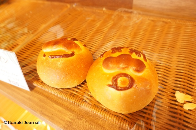 マルのパン屋でアンパンマンのパンDSC01198