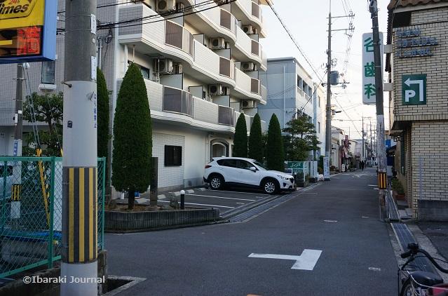 2茨木神社向かいの道左折DSC01116