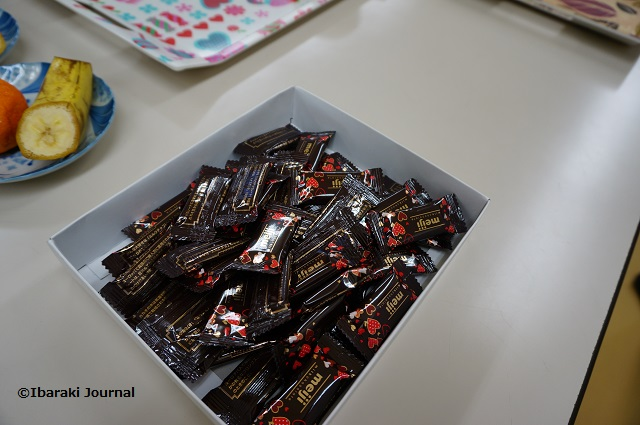 子ども食堂でチョコDSC01745