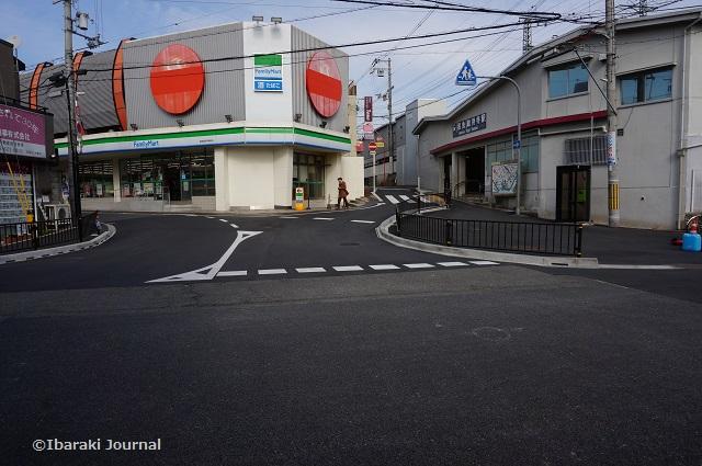 阪急総持寺駅前の様子DSC01773