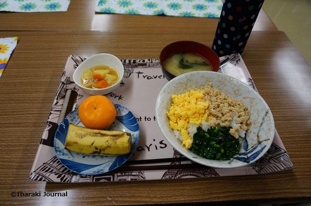 子ども食堂でこの日のメニューDSC01743