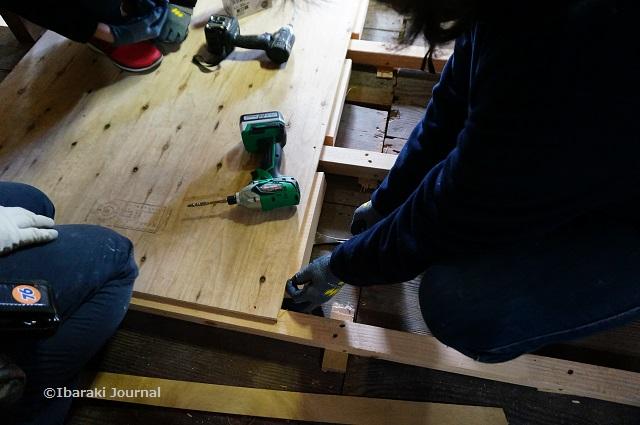 6床板を貼るときの作業DSC01570