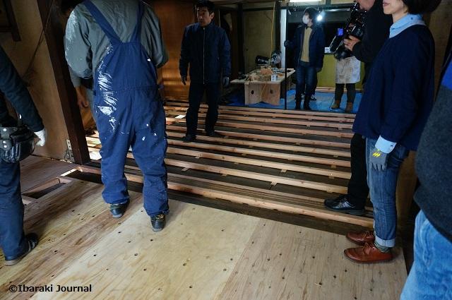 リノベいばらき2階床板貼り作業終了DSC01593