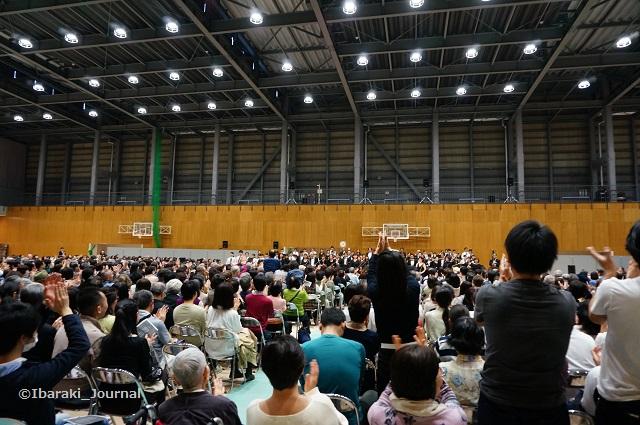 0328佐渡さんコンサート終了DSC03044
