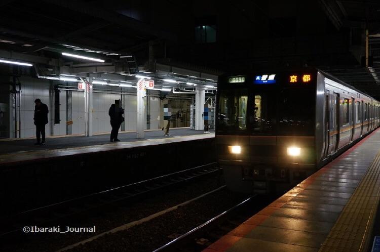 0317JR茨木に始発電車2DSC01968