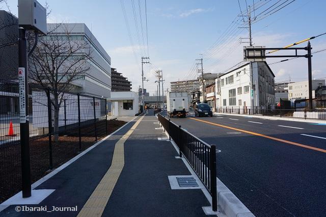 8近鉄バス総持寺口北へ移動DSC01923