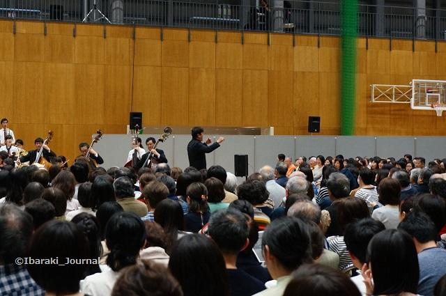 0328佐渡さんコンサートふるさと右側DSC03030