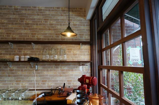 たたらば珈琲店内窓側DSC01955