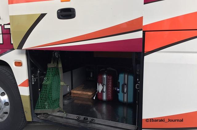0112関空行きバスに荷物IMG_0831