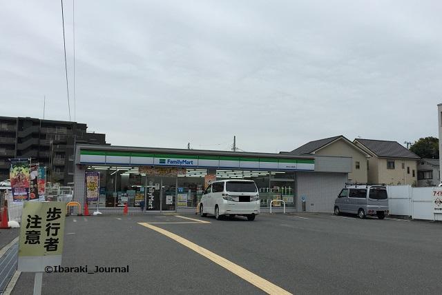 2017年ファミマ小川町外観IMG_9664