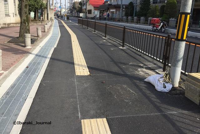 2018年3月阪急総持寺への歩道電柱跡IMG_2106