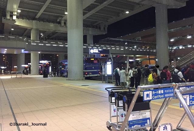 0409関空からの帰りのバス乗り場IMG_2577