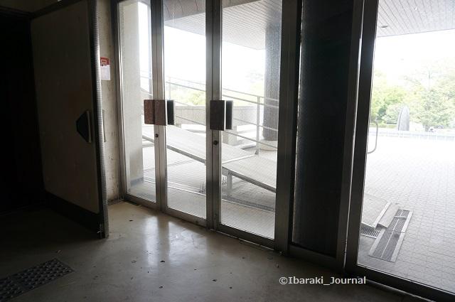 44市民会館車椅子のスロープDSC04044