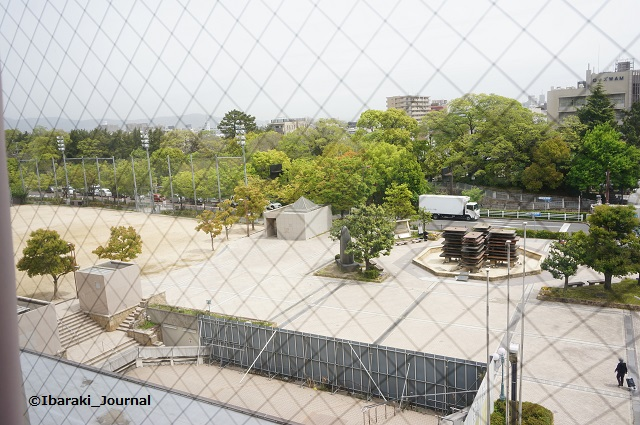 49市民会館上から外を見るDSC04064