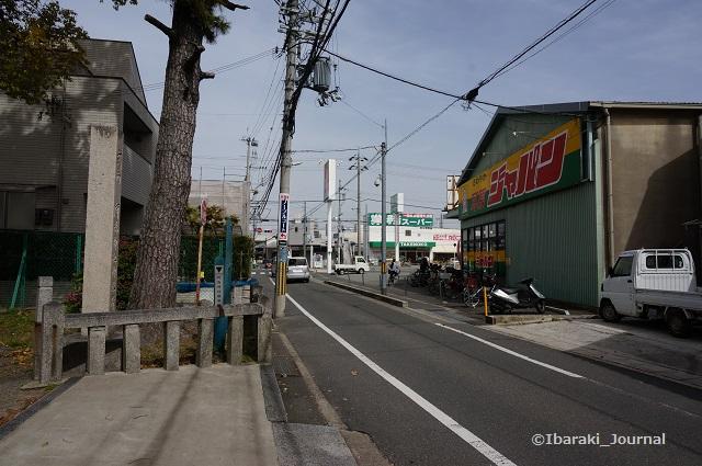 安威神社御旅所そばジャパンDSC03902