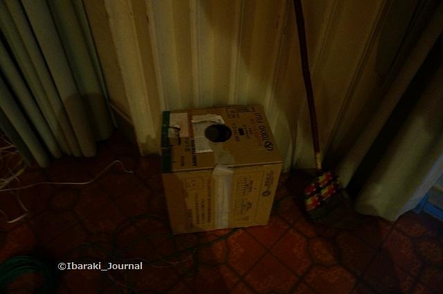 7市民会館倉庫にくじ引きの箱DSC03920