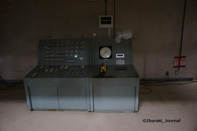 27市民会館電気機械室装置DSC03984