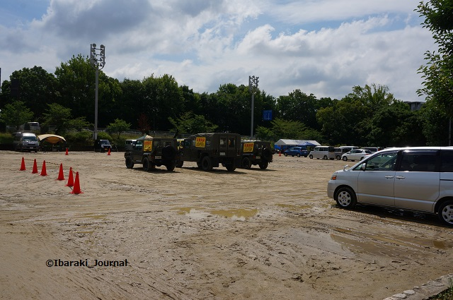 中央公園グラウンドに自衛隊車両DSC05379