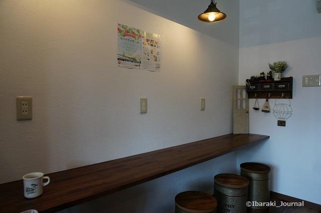 たたらば珈琲店内壁側DSC03354