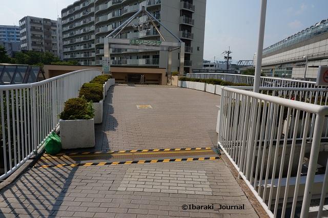 0718阪急南茨木から通路DSC05559
