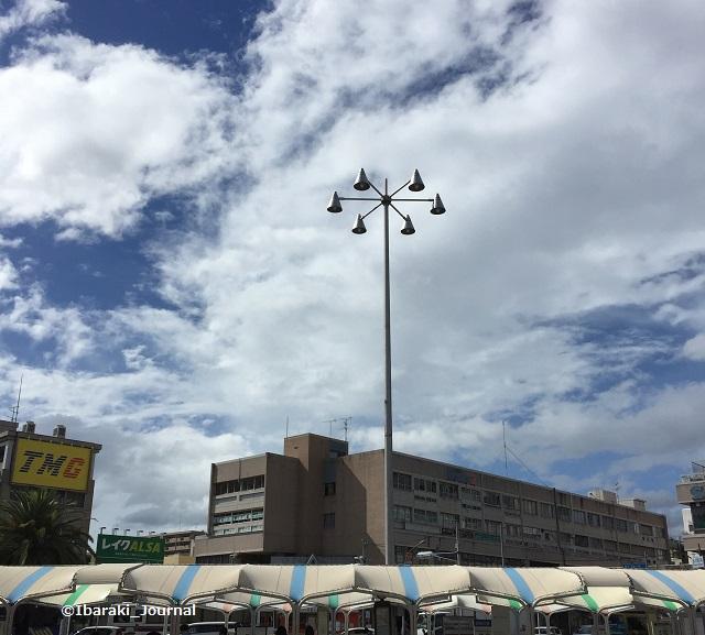 阪急茨木バス停の空IMG_4056