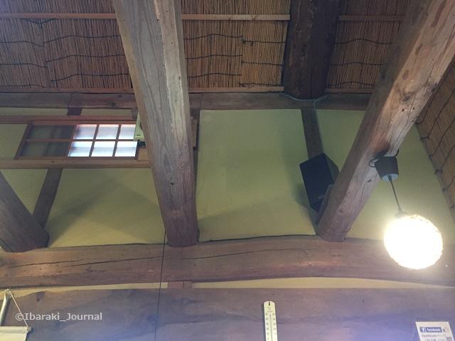 双子家ピザの室内天井IMG_3585