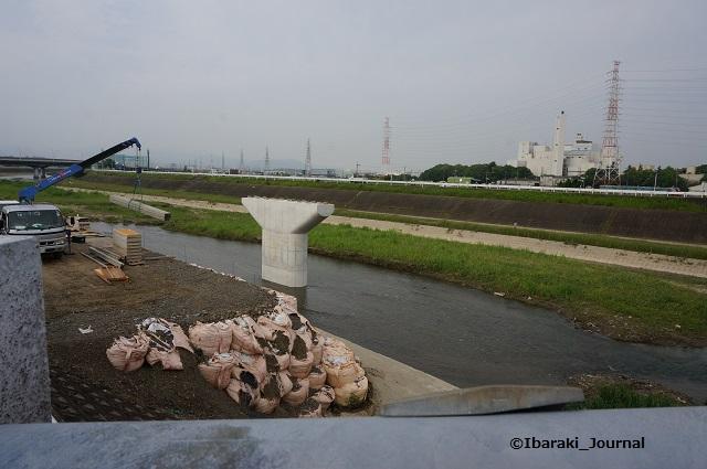 5月あけぼの橋工事の様子1DSC04557