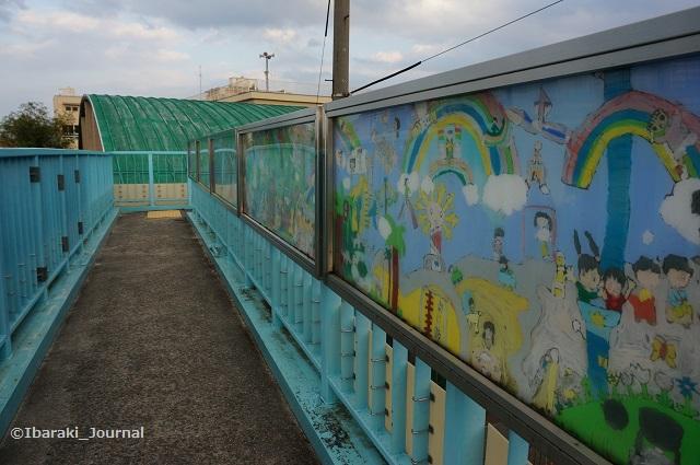 0918春日小の歩道橋DSC06304