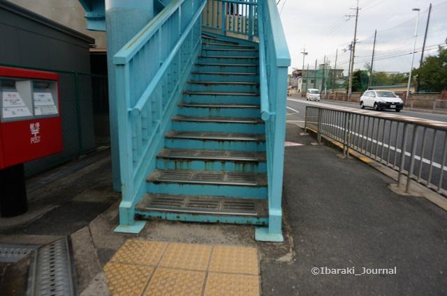 0918春日小前歩道橋階段DSC06306
