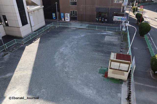 阪急南茨木西側の駐車場スペースIMG_7167